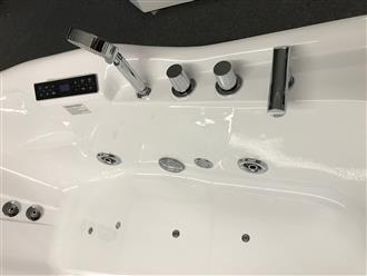 2 PERSON JETTED BATHTUB w/Air Jets,heater C022 - Image 2